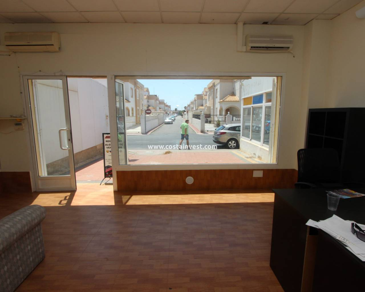 Resale - Commercial - Torrevieja