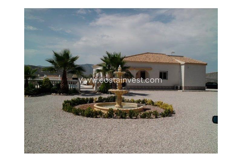 Villa en venta en Hondón de los Frailes