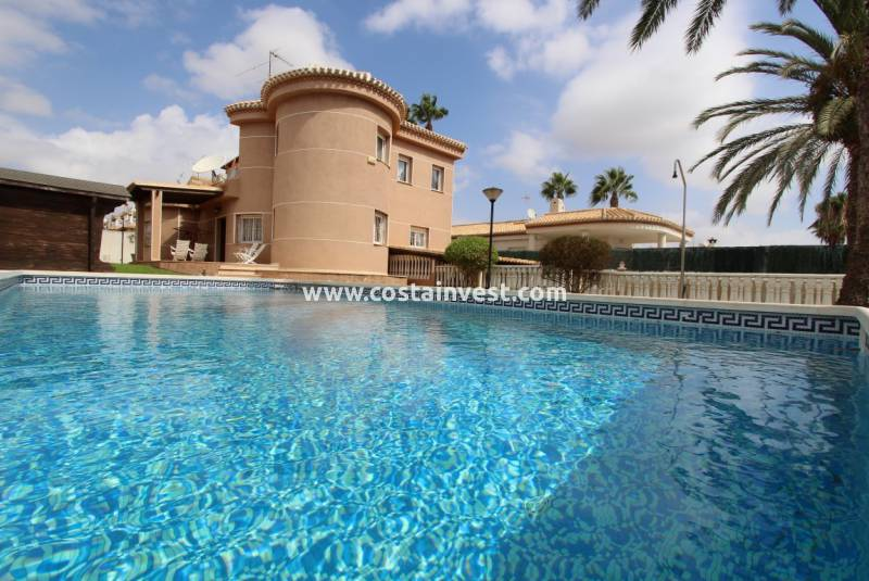 Villa - Resale - Orihuela Costa - Playa Flamenca