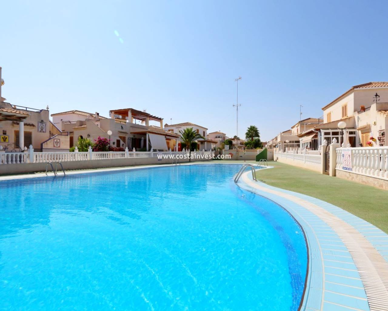 Resale - Semidetached Villa - Orihuela Costa - Playa Flamenca