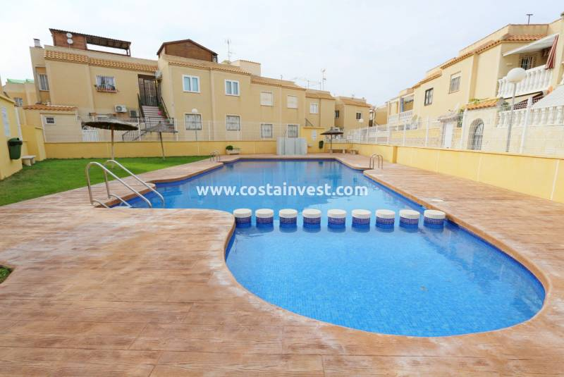 Apartament tip bungalow  - Revânzare - Torrevieja - Center