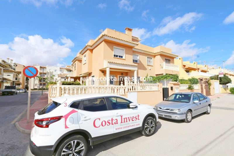Townhouse - Resale - Torrevieja - Calas