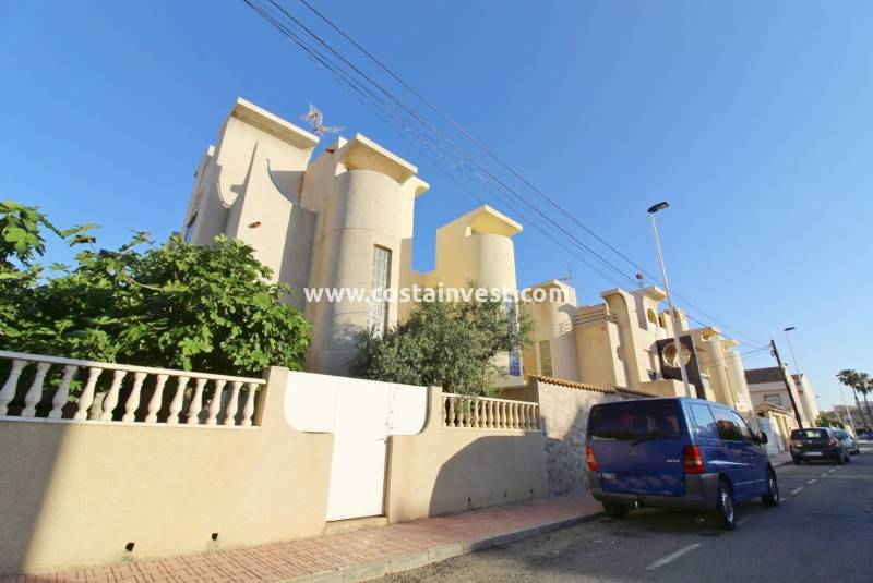 Semidetached Villa - Resale - Torrevieja - Calas