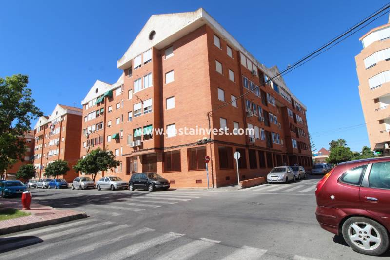 Apartment - Resale - Torrevieja - Playa del Acequión