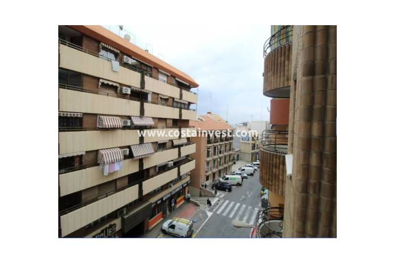 Apartment - Wiederverkauf - Alicante - Downtown